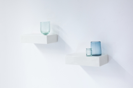 porcelain shelf